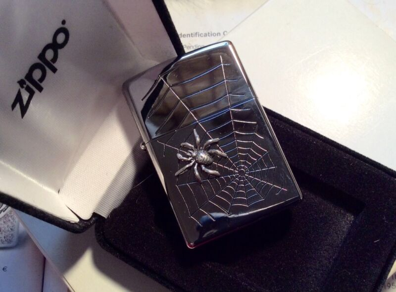 ZIPPO Spider & Web 3 D Special Edition - very rare collectible lighter NIB
