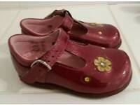 Start -right shoes size 4