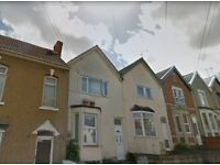 Town Centre Large 1 bed Flat. Water and Gas bill included.
