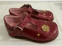 Start-right shoes size 4