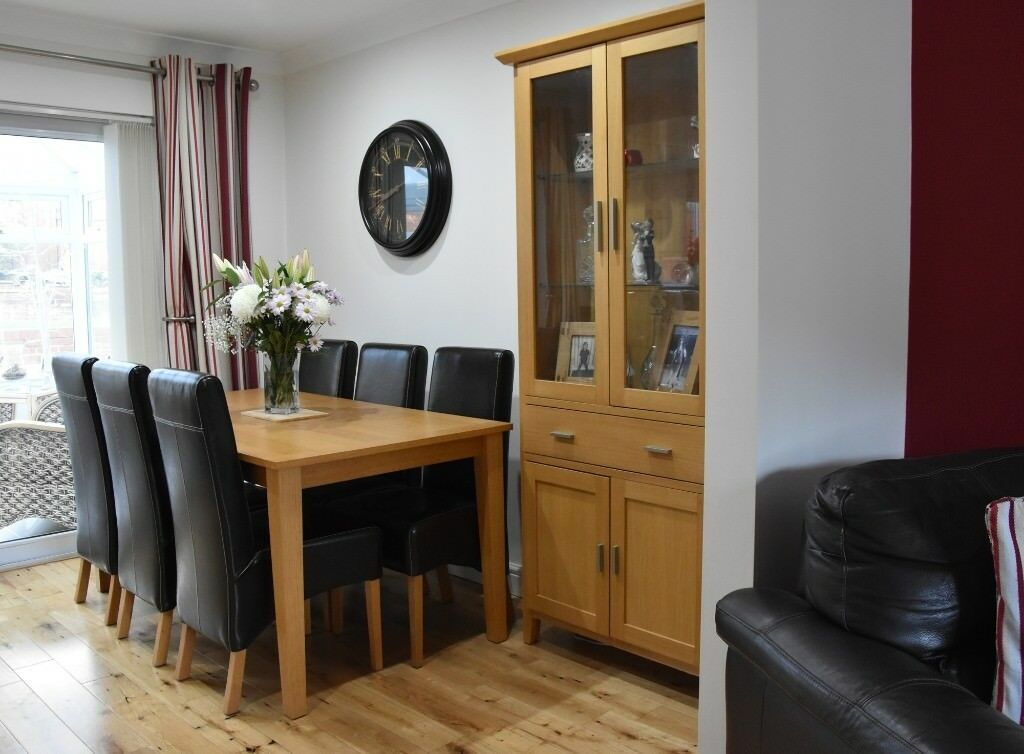 Oak Dining Room Furniture Table With 6 Chairs Side Cabinet And A Nest Of