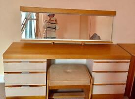 Dressing table with storage chair and two corner storage boxes