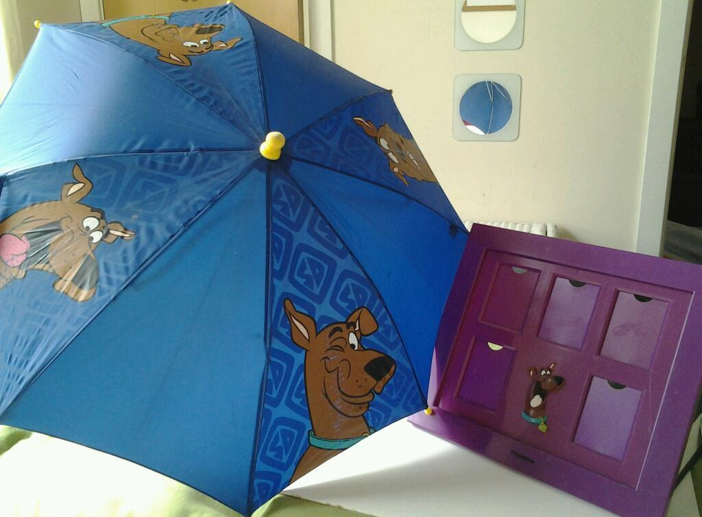 Scooby Doo Umbrella And Hanging Picture Frame In Alloa