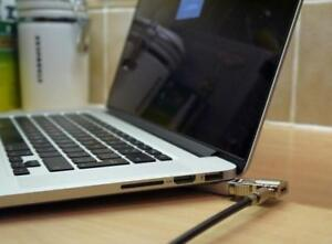"Apple Macbook Pro 15"" Retina, Core i7 Quad Core 2.5 GHz, 16 GB, 500 GB SSD, 2880 X 1800, Free Softwares, With Warranty"