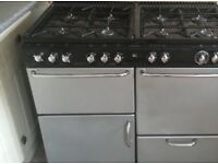 Used oven for sale. Dual fuel oven 30 amp supply with hose and cable attached.