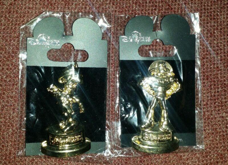 Disney Parks HKDL Golden Trophy Statue Pedestal Buzz Lightyear & Pinocchio Pins