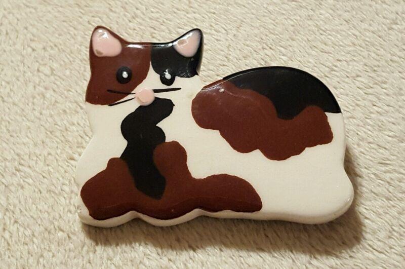 Handpainted ceramic cat kitten calico lapel pin brooch jewelry
