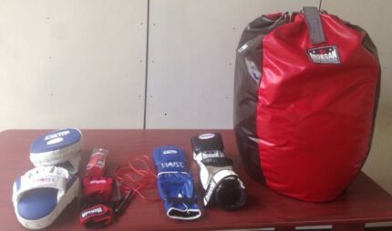Boxing equipment (bag, 3 x gloves, pads, skipping rope and wraps)