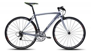 2013-Polygon-Helios-F3-0-Flat-Bar-Road-Bike-Shimano-Sora-Carbon-Fork