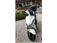 Peugeot Kisbee 50cc Scooter - very good condition.