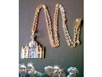 gold plated taj mahal pendant and chain
