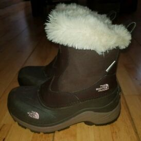 North Face Greenland zip girls boots size 2