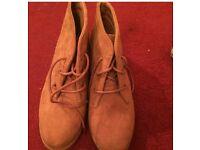 Womans tan ankle boots size 4