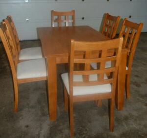 Oak dinning set for sale