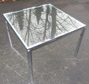 Mid Century Modern Style Coffee / End table
