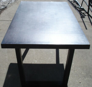 Desk/Table $50 OBO.  Delivery Available