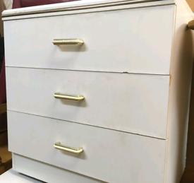 White chest drawers