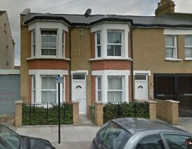 LOVELY 2 BEDROOM FLAT IN MANOR PARK ON THIRD AVENUE **PART DSS ACCEPTED**