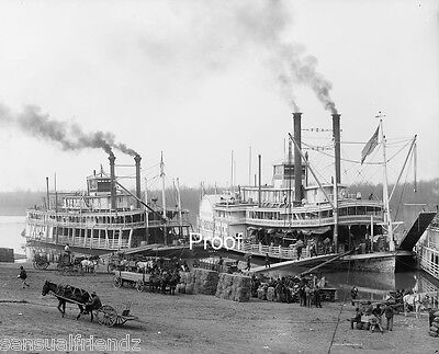 Mississippi Rvierboat Boat Landing, Riverboat packet  cargo steamer print 1901