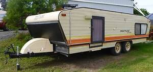Prattline 19' caravan with near new annex Ballina Ballina Area Preview