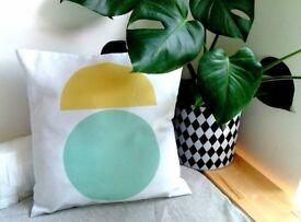 !!!Amazing cushion !!! Geometric print and pastel colors.