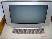 Sanyo Grey Model Television TV Ce5 28 Wn3-B Good Condition