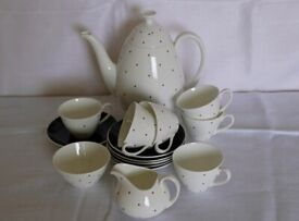 Beautiful Adderley fine bone china coffee set, 16 piece, vintage in excellent condition