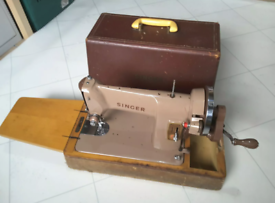 Vintage Singer Sewing Machine With Cover Case £35