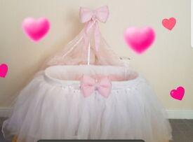 Stunning BRAND NEW handmade moses basket princess baby