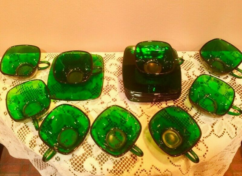 Emerald Green Glass AH 4 Set Total Of 8 Item In This Set. For Coffee Or Tea.