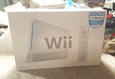Nintendo Wii White Game Console with Wii Sports Game Bundle Tested in Box!!!