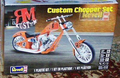 Revell Monogram 7324 Harley Davidson Custom Chopper motorcycle model kit 1/12