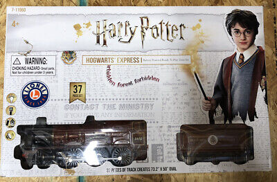 Harry Potter Train Set Lionel Hogwarts Express Battery-Powered Ready to Play
