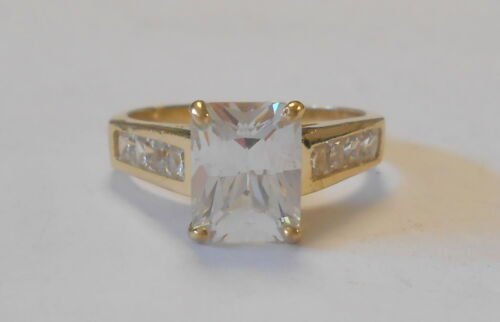 Beautiful 10K Yellow Gold Ladies Ring with Large Emerald Cut Ring Size