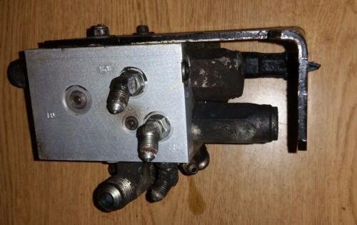 Tennant - TN-1049639 Hydraulic Valve Control