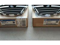 OEM NEW Right Passenger Bumper Fog Light Cover 13-14 Ford Mustang DR3Z-17E810-AA