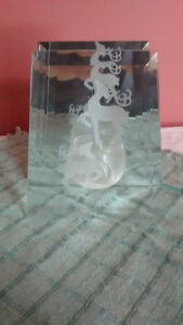Bevelled glass candleholder with etched pair of deer