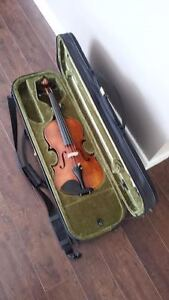 Fiddle w/Case, Bow and Shoulder Support