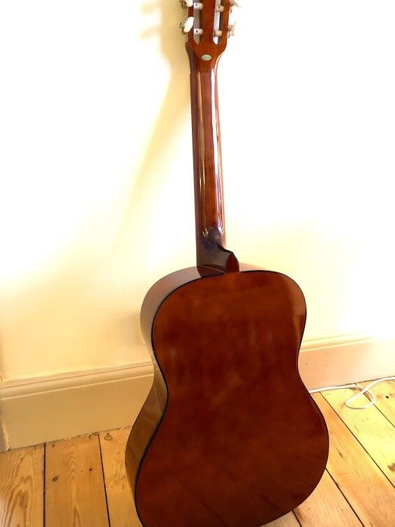 3/4 size classical guitar £30 ono