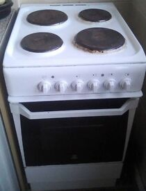 Indesit slim electric cooker -ready for collection 4th January
