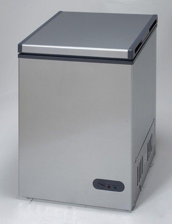 Avanti CF35B2P 3.5 cu.ft. Platinum Chest Freezer Single Flip