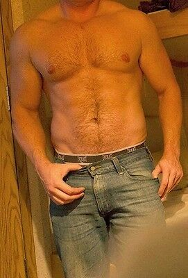 Shirtless Male Beefcake Muscular Torso Hairy Chest Abs In Jeans PHOTO 4X6 C312