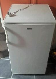 Lec fridge with icebox