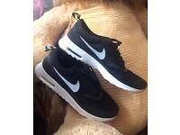 Nike Air Max Thea Size 5