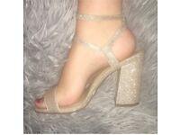 Gold glitter block heels womens size 5