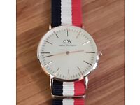 DANIEL WELLINGTON WATCH WITH CANVAS STRAP