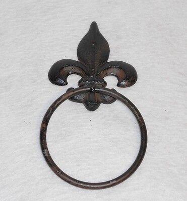 Porte serviette Fleur de Lys en Fonte
