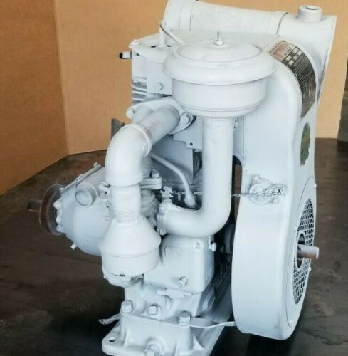 Wisconsin Model AHH Hand Crank Engine Ser 1221228 Mostly complete With clutch