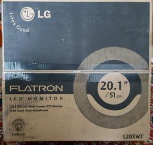 LG Flatron L203WT