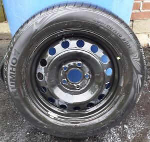 Almost New Kumho All Season Tires with Rims - 205/60/16
